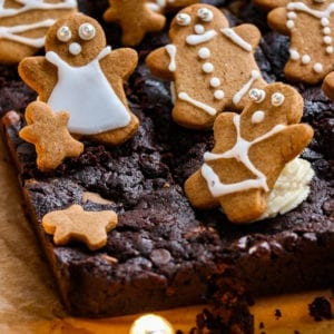 Vegan gingerbread brownies with gingerbread people on top