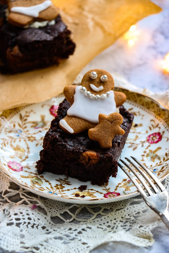 vegan gingerbread brownie on a plate
