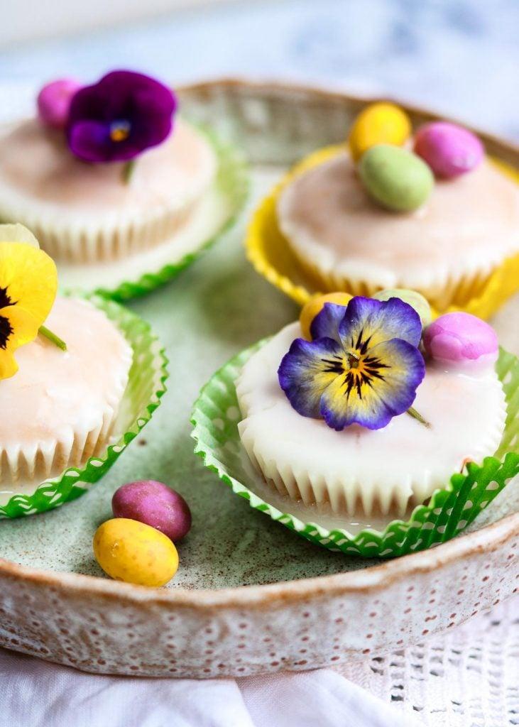 ingy lemon cupcakes with mini eggs
