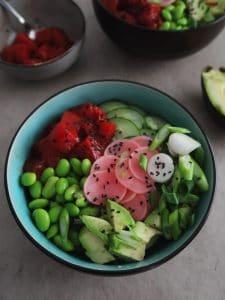 vegan tuna poke bowl made with a vegan fish substitute