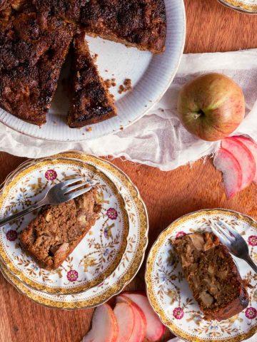 Vegan Spiced Caramel Apple Cake