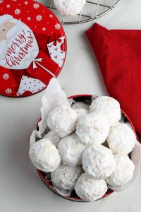 vegan snowball cookies in a bowl